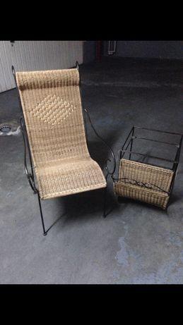 Cadeira verga e ferro com mesa