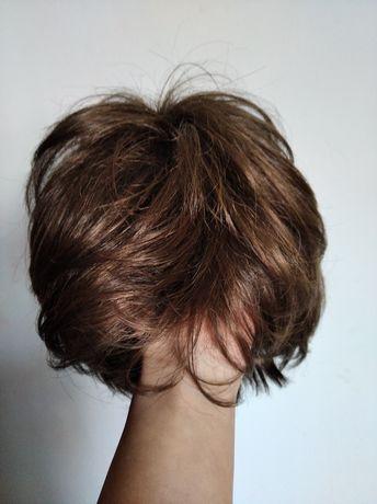 Peruka, włosy