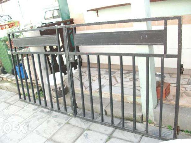 Portões de entrada em ferro de 2 folhas