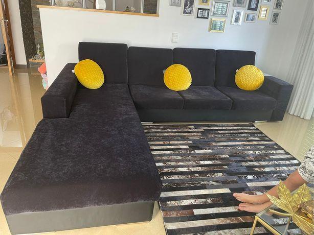 Vendo sofa em muito bom estado de cor preta