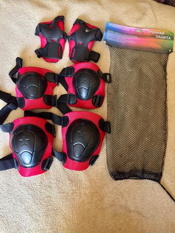 Набор детской защитной экипировки.