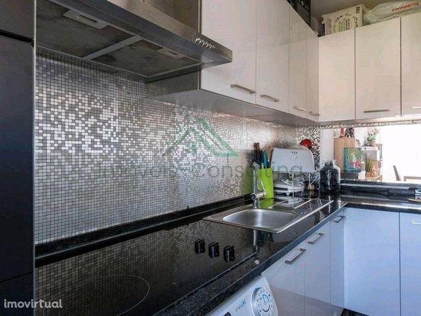 Apartamento T2| Bom estado| Olivais Sul| Metro|