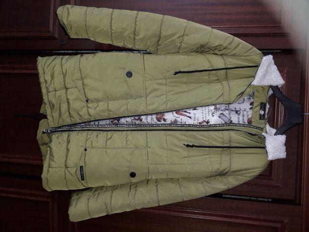 Продам женскую удлинённую куртку
