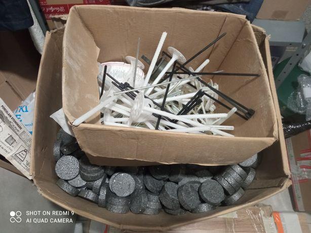 Kołki do styropianu 28cm + zatyczki 300szt