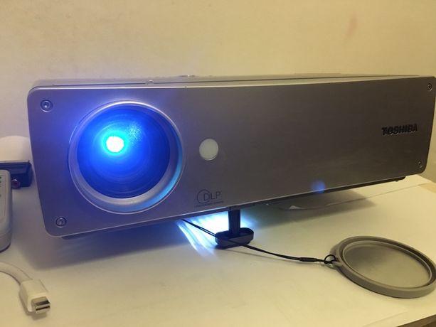 Projektor, rzutnik Toshiba TDP-T90A