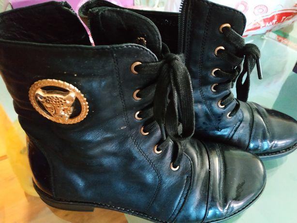 Шкіряні чобітки для дівчинки