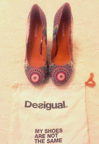 Sapatos Desigual 39