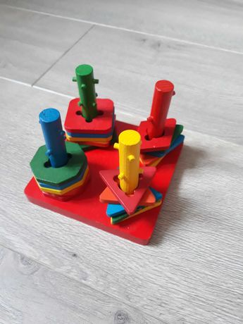 Развивающая  деревянная игрушка  сортер