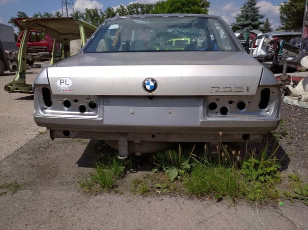 BMW E32 karoseria zdrowa
