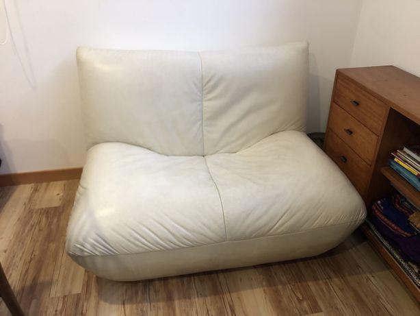 Sofa em pele design nórdico - Cor Ivory