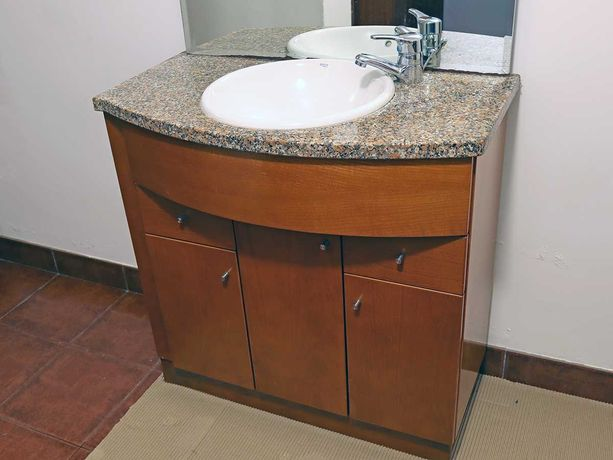 Móvel lavatório WC c/ espelho e luz LED