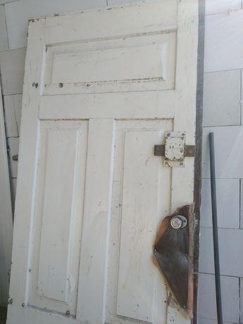 Drzwi drewniane, z demontażu