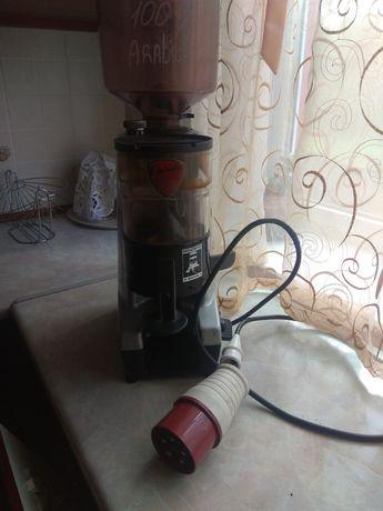 Гриндер (гріндер) кофемолка EUREKA