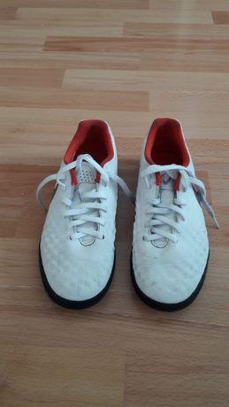 Buty piłkarskie Nike, rozm.36,5