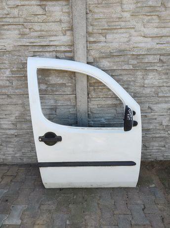 Przednie prawe dzwi Fiat Doblo