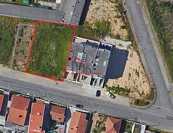 Terreno 205 m2 - Santa Maria de Lamas