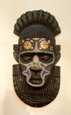 Sprzedam maskę afrykańską.