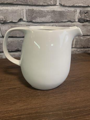 Чайник, молочник