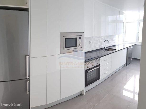 Apartamento T2 OdivelasTotalmente Remodelado