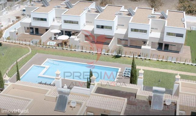 Moradia T3 Condomínio Fechado com piscina