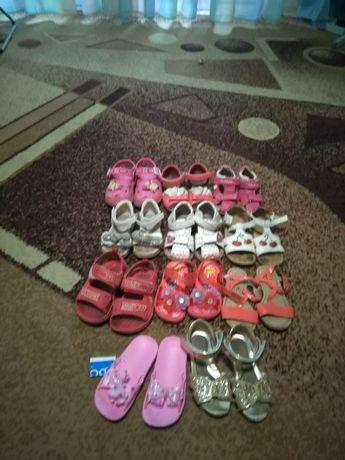 Босоножки, шлепки, летняя обувь