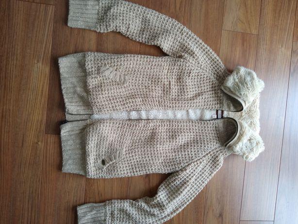 Beżowy camelowy kardigan sweter ciepły długi Bershka