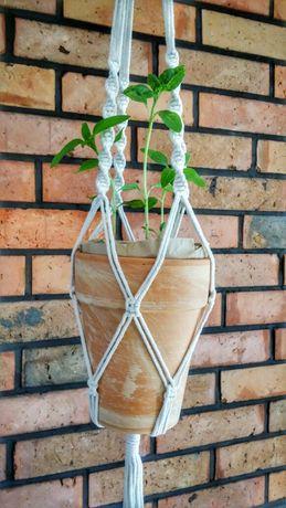 Kwietnik wiszący długa makrama sznurkowy handmade 105 cm