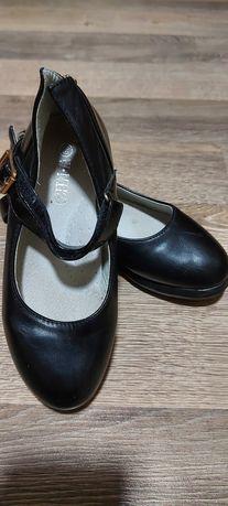 Дитячі туфлі для дівчинки