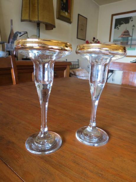 Par de castiçais em vidro italiano