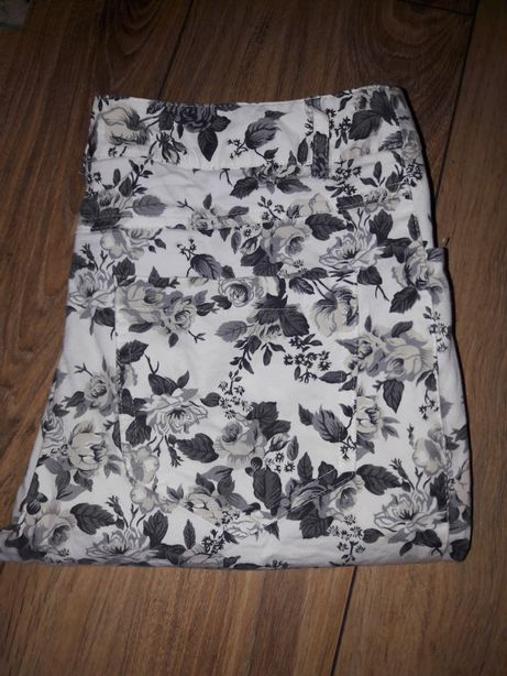 Spodnie rurki kwiaty 36 S