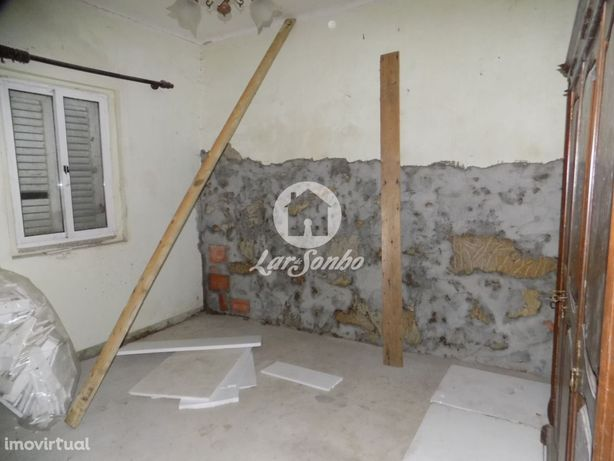 M3 térrea para Restauro com garagem fechada em Vila Chã - Vila do C...