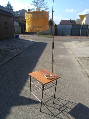 PRL stolik gazetnik z lampką kult lat PRL