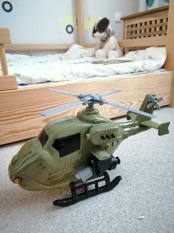 Helikopter wojskowy, baterie, dźwięki, świecący, obracające śmigła.