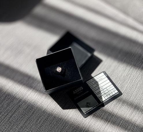 Оригинальное золотое кольцо с бриллиантами (17,5)