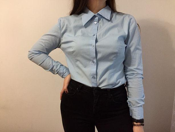 Класична голубенька сорочка,у відмінному стані