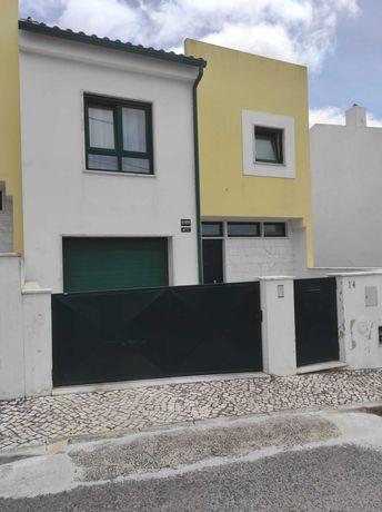 Moradia Unifamiliar V4 com vista de Serra e Rio