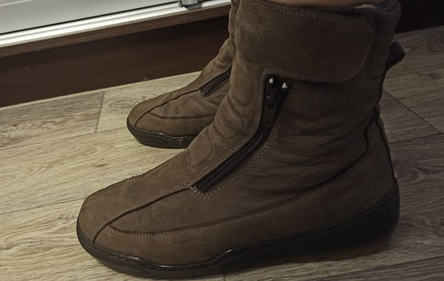 Ботинки кожаные на овчине