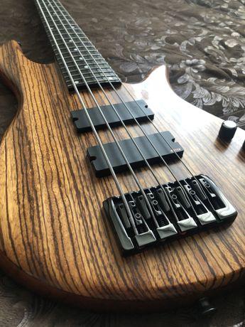 Продам бас гитару SP Bass