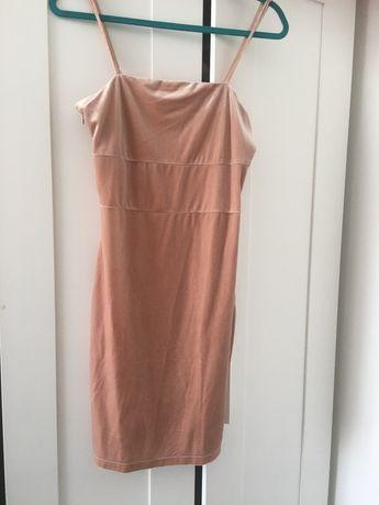 Aksamitna sukienka 38 / 40 przyjemna w dotyku Fashion Union z Anglii