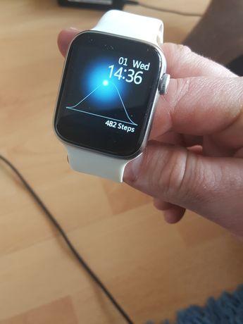 Smartwatch biały