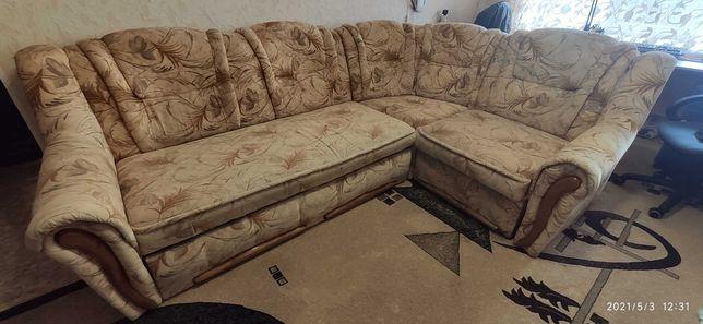 Продаю угловой диван трансформер!