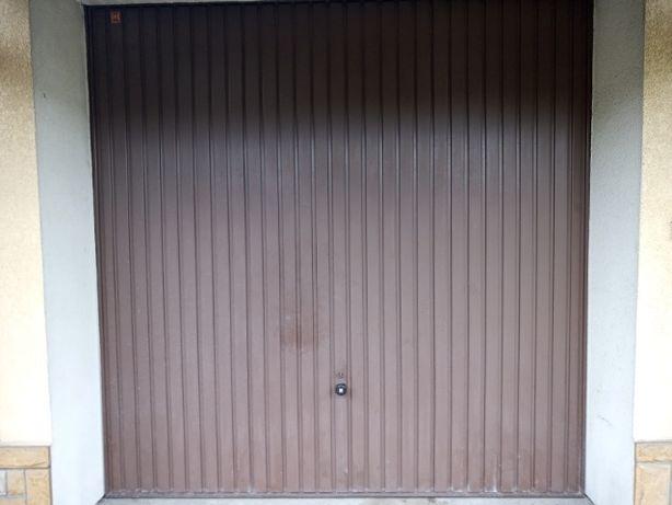 Brama garażowa, drzwi garażowe Hormann brązowe
