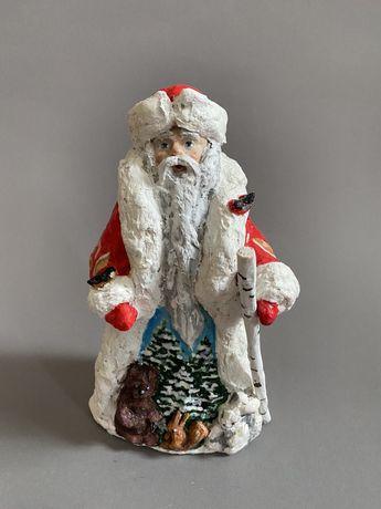 Дед Мороз под елку.