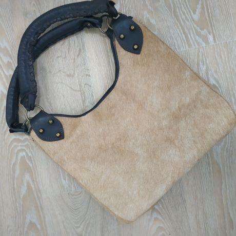 Кожаная сумка с мехом  пони, нерпы.