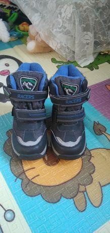 Продам ботинки том