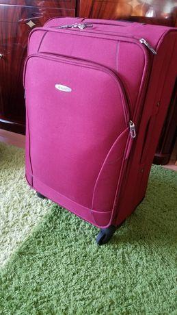 Для подорожі валізи