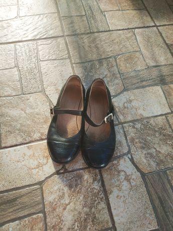 Туфли для девочки, кожаные!