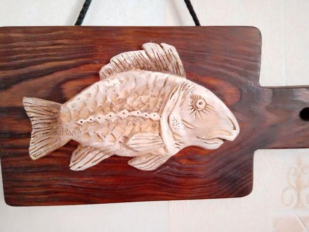 Картина Рыбка керамическая на деревянной основе, рыба, дерево, глина