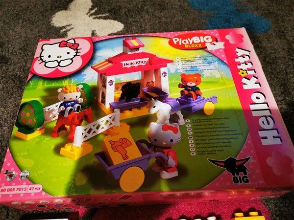 Hello Kitty klocki stajnia dla koni