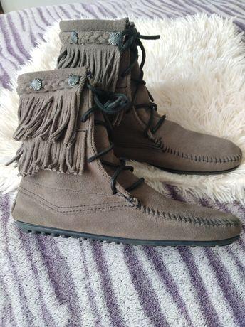 Ботинки ботильоны мокасины с бахромой Minnetonka замшевые